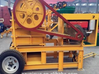 Mobile diesel jaw crusher